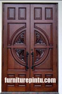 Pintu Ukir Cakra